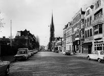 1977-417 De rooms-katholieke kerk van de Allerheiligste Verlosser aan de Goudse Rijweg, uit het oosten.