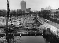 1977-440 Bouwwerkzaamheden aan de Goudsesingel.Op de achtergrond o.a. het Hofplein, uiterst rechts het het voormalige ...