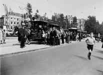 1978-2643 Trams op de Zeevischmarkt bestemd voor het maken van feestritten ter gelegenheid van het regeringsjubileum ...