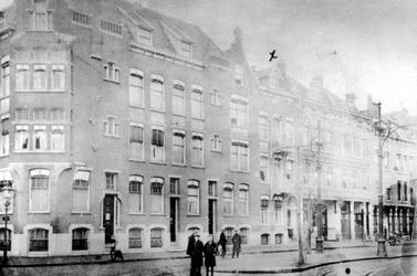 1978-3008 Gezicht op de Schietbaanlaan. Links hoek van de Claes de Vrieselaan.