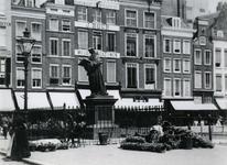 1978-888 Standbeeld van Erasmus op de Grotemarkt.