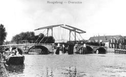1980-1850 De Hogebrug over de Delfshavense Schie. Links de Delfshavensekade en rechts op de achtergrond Overschiese ...