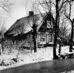 1980-2090 Huisje in de sneeuw aan de Boschweg