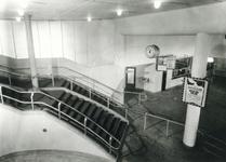 1981-548 Trap tussen hal en perron in Station Beurs.
