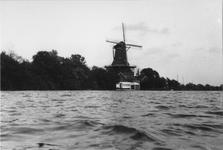 1983-2911 Molen De Ster aan de Kralingse Plas.
