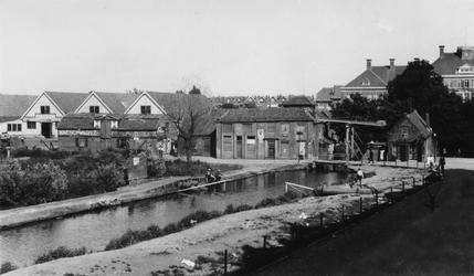 1983-2914 Gezicht op de Touwbaanbrug over het Kralingse Verlaat.