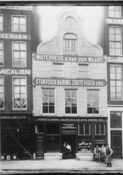 1991-925 Vishandel Waterreus & Van der Waart aan het Westnieuwland.