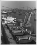 1992-5380 Overslag in de Waalhaven. Op de achtergrond de Schulpweg.