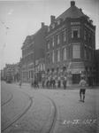 IX-1146-1-TM-3 Gezichten op de Havenstraat.Afgebeeld van boven naar beneden:-1: het gebouw van de Rotterdamsche Bank op ...
