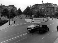 IX-1192-01 Gezicht op de Beukelsdijk met links het Henegouwerplein. Op de achtergrond de Graaf Florisstraat.