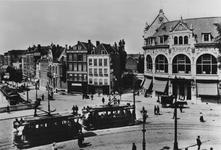 IX-1259-02 Het Hofplein met rechts Station Hofplein van de ZHESM (Zuid-Hollandsche Electrische Spoorweg-Maatschappij) ...