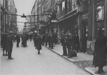 IX-1424-03 De Hoogstraat tijdens winkelweek.
