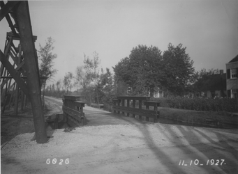 IX-1708 Gezicht in de Laan van Nooitgedacht, met persleiding voor de Kralinger Hout, vanaf de 's-Gravenweg.