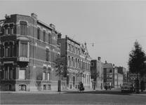 IX-1848-09 Lusthoflaan, ter hoogte van de Voorschoterlaan. Achtergrond links de Waterloostraat.