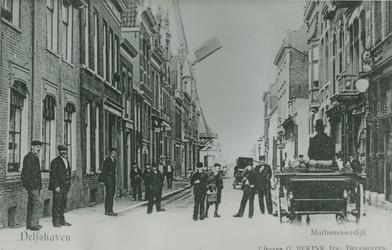 IX-1883-01 Gezicht in de Mathenesserdijk. Op de achtergrond links de molen De Graankorrel.