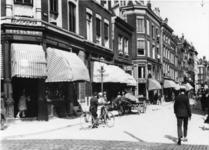 IX-1934-03 De Meent, links banketbakkerij Excelsior op de hoek van de Gedempte Binnenrotte.
