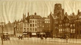 IX-1938 De Meent. Op de achtergrond rechts de toren van de Sint-Laurenskerk.