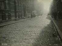 IX-1958 De Meermanstraat bij het politiebureau uit het noorden.