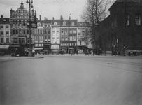 IX-2149 Gezicht op het Beursplein met rechts de Beurs en op de achtergrond de Noordblaak.