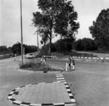 IX-2564-00-00-03 Hoofdverkeersweg Rotterdam noord aan de Kralingse Bos. Rechts de Prinses Beatrixlaan met links het ...