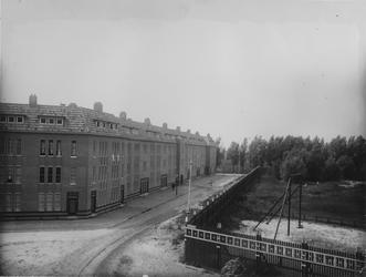 IX-2673 Roemer Visschesstraat vanaf de Spartastraat.