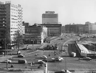 IX-284-34-39-17-11-01 De Blaak, op de voorgrond het kruispunt met de Coolsingel en Schiedamse Vest, rechts de plek waar ...
