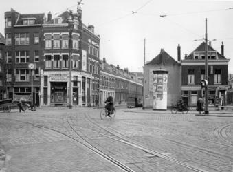 IX-3217-06 De Vlietlaan, gezien vanaf de Goudse Rijweg. Op de achtergrond de Alettastraat.