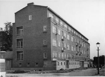 IX-3246-02 De Vredenoordlaan, tussen de Van de Leckestraat en het terrein van de voormalige Nieuwe Plantage.