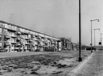 IX-3246-16 Gerdesiaweg, vanaf de Vredenoordlaan.