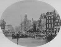 IX-3351 De Kolk, rechts het Westnieuwland, op de achtergrond de Beurs (gebouw met toren).