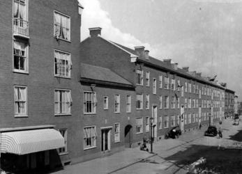 IX-792-01 Gezicht in de Dijkstraat.