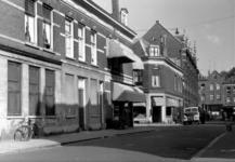 IX-842-01-02 Gezicht op de Gaffeldwarsstraat met op de achtergrond de Gouvernestraat en links de Sint-Mariastraat.