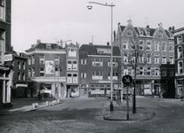IX-921-02-08 Huizen aan het Goudseplein.Op de achtergrond de Goudse Rijweg, uit het zuiden.