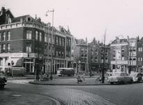 IX-921-02-09 Het Goudseplein, met aan de linkerzijde de Van der Werffstraat. Op de achtergrond huizen hoek Goudse ...