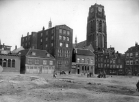 IX-97 Open terrein ontstaan door sloop van panden gelegen tussen de Bagijnenhofstraat, de Bagijnenstraat (rechts), de ...