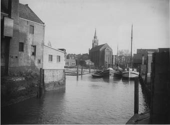 VII-157-01 Gezicht op de Buizenwaal, uit het westen.