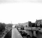 VII-166-05 Gezicht op de Coolhaven met op de achtergrond de Delfshavense Schie, bij de Nieuwe Binnenweg.