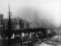 VII-210 De Kolk, links het spoorwegviaduct, daarachter het Westnieuwland, op de achtergrond de Grotemarkt en de toren ...