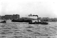 VII-345-00-04-1,-2 -1: Gezicht op de Nieuwe Maas, het Prinsenhoofd en de Maaskade op het Noordereiland.-2: Gezicht op ...