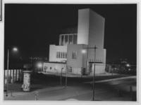 X-11-202 Fietsers op de roltrappen in de Maastunnel.