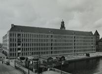 XII-119-09-1,-2 Het Stadstimmerhuis in aanbouw aan het Haagseveer.Van boven naar beneden afgebeeld:- 1: De toren van ...