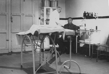 XII-90-00-01-8,-9 Dokterskamer van de Gemeentelijke Geneeskundige- en Gezondheidsdienst ( G.G. en G.D. ) aan het ...