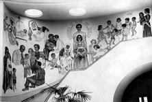 XII-90-05-01 Muurschildering gemaakt door mevrouw Marie Adriana Willeboordse in de hal van het Centraal Gebouw voor de ...