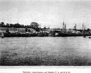 XIV-357-00-01 Opslagplaatsen en loodsen van P.A. van Es en Ph. van Ommeren aan de Parkhaven.