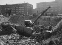 XIV-80-05-1 Fundamenten van de Zeevischmarkt in de bouwput van kantoorgebouw de Hoofdpoort (Van Marle concern/Stad ...