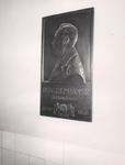XIX-19-13-06-8 Muurtegel met afbeelding van heelmeester Dr. J.G. Remijnse in het Coolsingelziekenhuis.