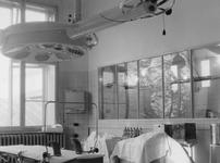 XIX-19-13-06-9-TM-15 Het Coolsingelziekenhuis.Van boven naar beneden afgebeeld:- 9: Operatiekamer.- 10: ...