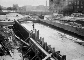 XVII-53-1-TM-8 Statentunnel bij de Beukelsdijk, tijdens de bouw van de tunnel.Afgebeeld van boven naar beneden:-1 t/m -8