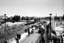 XVII-55-01 Gezicht op de tijdens de bouw van de Statentunnel bij de Beukelsdijk. Op de achtergrond de Blijdorp.