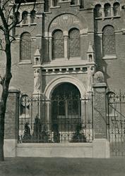 XVIII-310-1-EN-2 Exterieur en interieur van de Remonstrantse kerk aan de Westersingel / Mathenesserlaan.